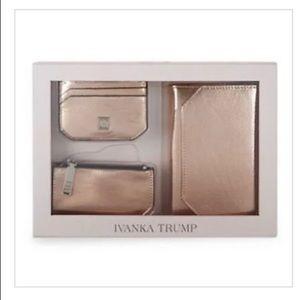 🌺Ivanka Trump RIO Leather Travel Wallet Gift Set